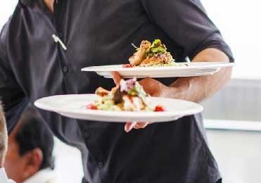 فنون سرو غذا در رستوران